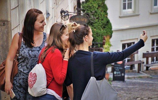 עמוד טיקטוק בנושא תיירות וטיולים